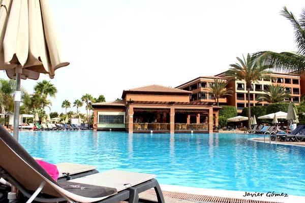 hotel-h10-costa-adeje-palace-piscinas